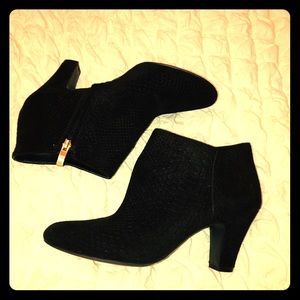 Bcbg black embossed booties
